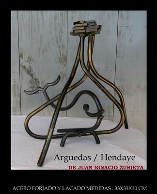Hermanamiento Arguedas con Hendaya medidas 35x25x30 cm