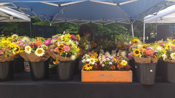 farmers' market flowers, as beautiful as ever