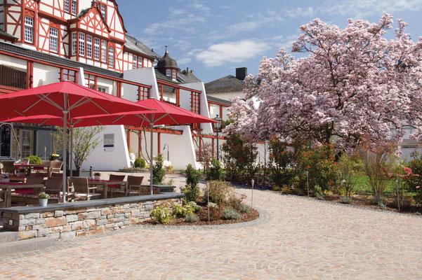 may Sonnenschirme kaufen in ✅ Groß-Gerau in Hessen | Große Schirme für Gastro, Kindergarten, Kommune, Gemeinde | FINK Sonnenschirme ist Ihr MAY-Servicefachhändler | www.fink-sonnenschirme.de | Tel.: 06026 9996960 | info@fink-sonnenschirme.de