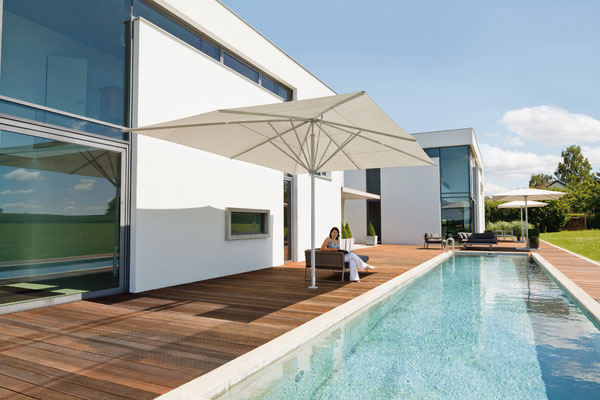 Sonnenschirme SCHATTELLO und ALBATROS sind auch optimal für den Einsatz auf Privaten terrassen geeignet