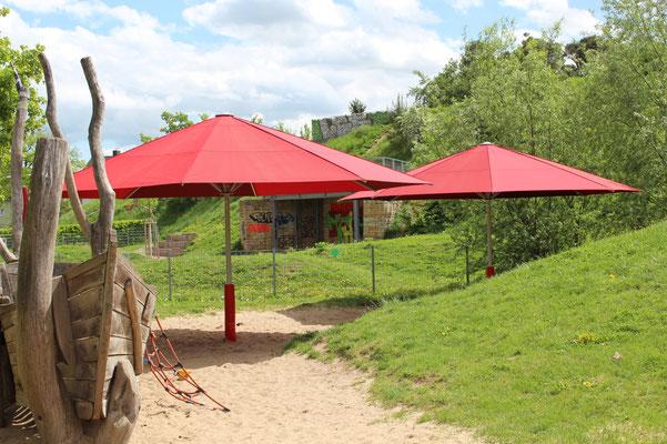 Große Sonnenschirme von MAY für Kindergarten, Gastronomie, Objektausstattung und Kommunen ✅ Händler für 63801 Kleinostheim 🚩 FINK Sonnenschirme 🌐 www.fink-sonnenschirme.de ✉ info@fink-sonnenschirme.de ☎ 06026 9996960