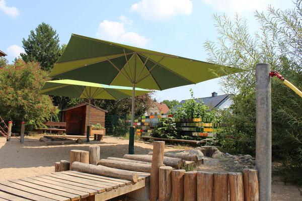 Sonnenschirme im Kindergarten 🚩 HESSEN 🚩 Erlensee Langendiebach ☀ vom Fachhändler für may Sonnenschirme: FINK Sonnenschirme ☎ 06026 9996960 ✉ info@fink-sonnenschirme.de 🌐 www.fink-sonnenschirme.de