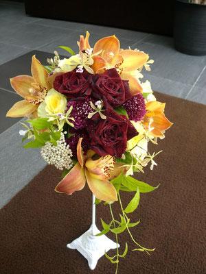 ティアドロップ 秋色の花々で