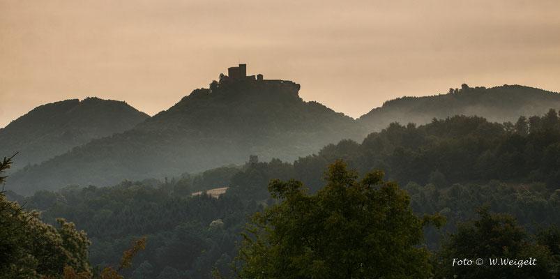 Burg Trifels bei  Annweiler (Pfälzer Wald)