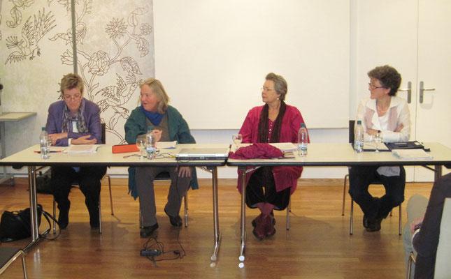 Von links: Brigitte Garessus, Mascha Madörin, Ursa Krattiger und Pia Fankhauser