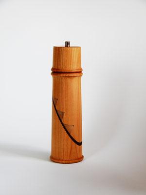 Stahlwerk Titan-beschichtet, Kirschbaum/Akazie/Ahorn, für Salz, ca. 7 x 25 cm,  CHF 130.-