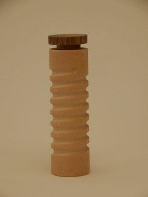 Köcher für Nadeln, letzte Zigarette o.ä., Abachi/ Nussbaum/Kork, ca. 3,5 x 13,5 cm, CHF 25.-, Lieferbar