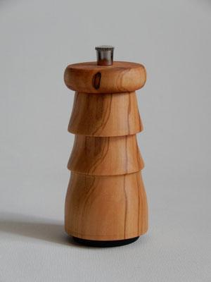 Stahlwerk,   Ölbaum,   für Pfeffer,   Reisegrösse: 6 x 10,5 cm,   CHF 65.-