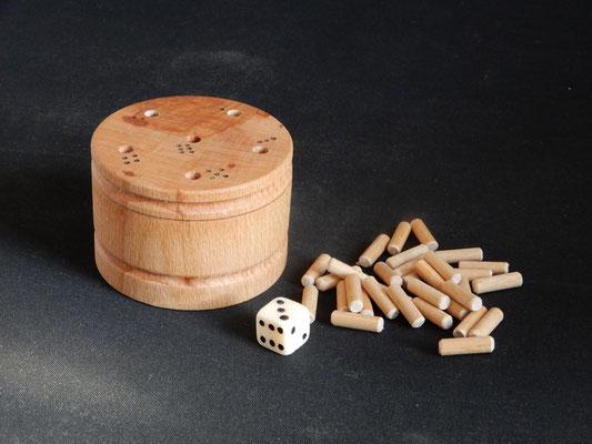 """""""6 raus"""",    Kinderspiel ab 6 Jahren,    Buchenholz,    ca. 6 x 8 cm,    CHF 35.-,    Lieferbar"""