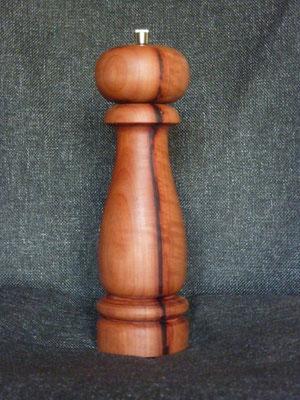 Stahlwerk / Birnbaum pur,     ca. 25 cm,     CHF 100.-