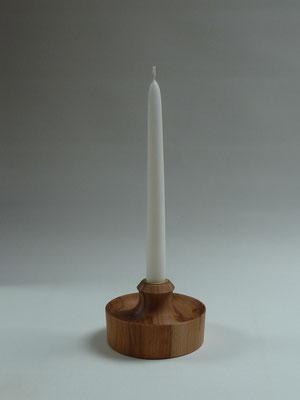 Kerzenständer aus Buche     CHF 25.-     Lieferbar
