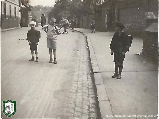 Kirchstraße um 1930. Quelle: Bildarchiv Adelskamp/Kirschbaum