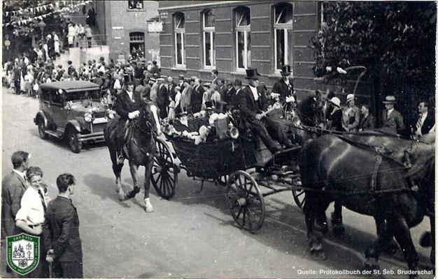 Festzug über die Bahnstraße 1934. Quelle: Protokollbuch der SSB