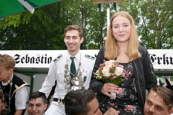 Prinz Johannes Nicola und Prinzessin Sina Gast Bild: Peter Adelskamp