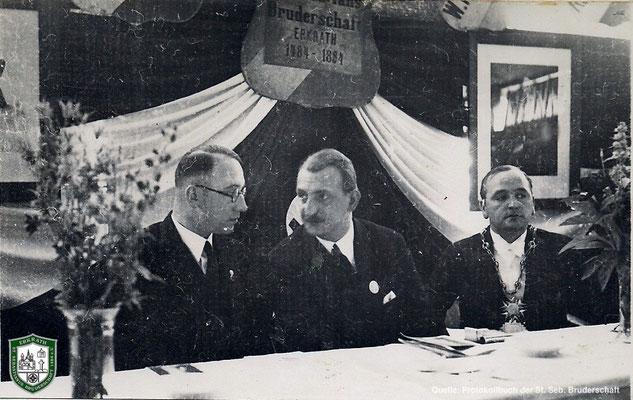 Im Schützenzelt. Rechts: König Jacob Kirschbaum. Quelle: Protokollbuch der SSB
