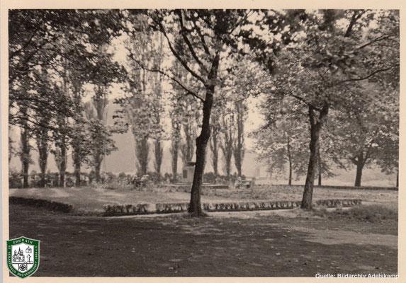 Marktplatz in Erkrath um 1940. Quelle: Bildarchiv Adelskamp
