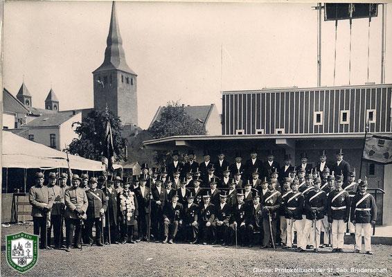 Foto des Regiments von 1929. Quelle: Protokollbuch der SSB