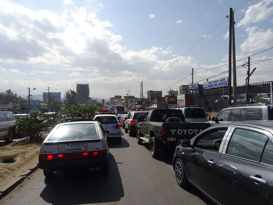 Normaler Verkehr in Addis