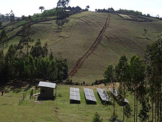 Brunnenbohrung von World Vision im Norden des Dorfes