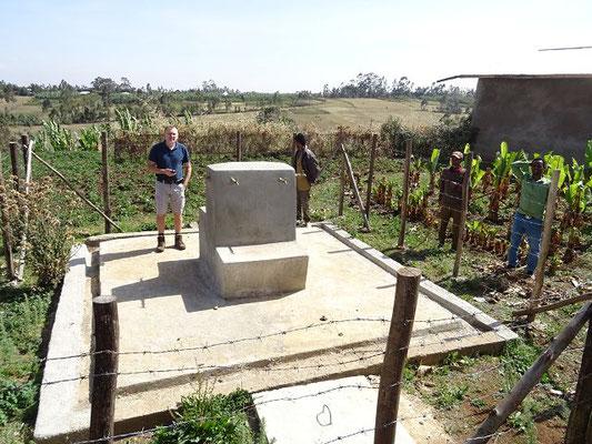 Von dort werden neun Wasserstationen wie diese bedient