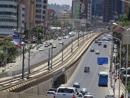 Straßenbahnlinie quer durch Addis