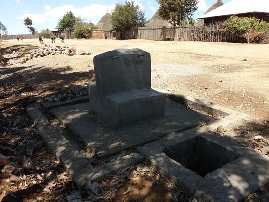 Eine im Bau befindliche Wasserausgabestelle in der Umgebung