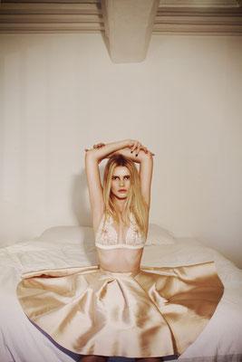 Photographe: Marie Carrier   -   Mannequin: Inès Lacorne-Piquet