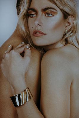 Photographe: Maude Roudier - Mannequin: Megan Lemiel - Stylisme: Léa Morizot/Bagouze - DA: Lisa Bron