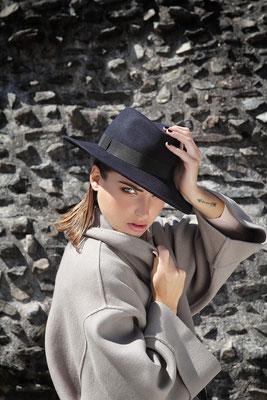 Photographe: Marie Carrier   -   Mannequin: Julie