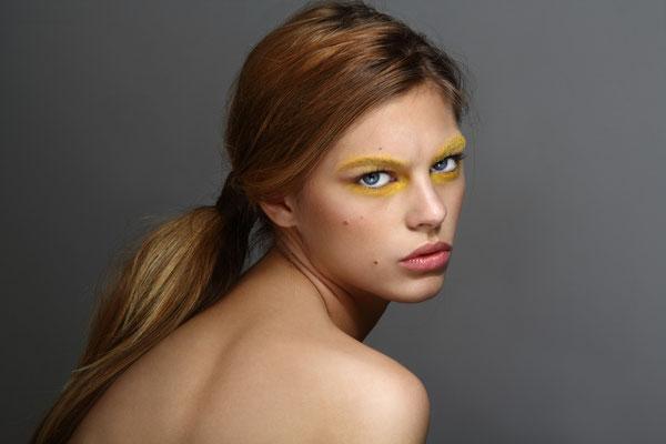 Photographe: Marie Carrier  -  Mannequin: Zoé