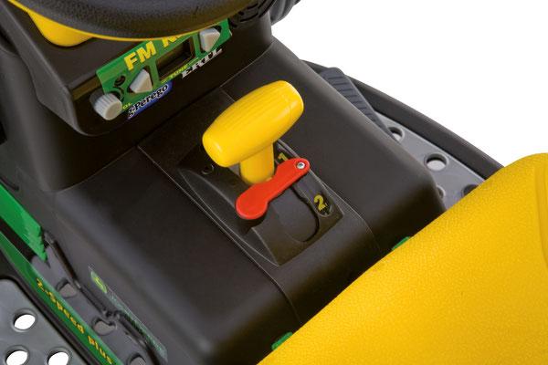 john deere ground loader  spielfahrzeug elektrofahrzeug detail gangschaltung