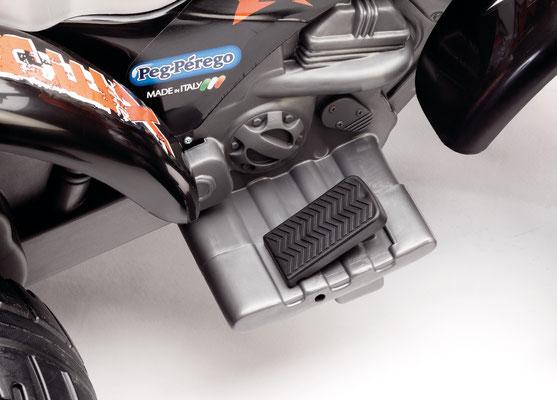 corall t-rex quad spielfahrzeug elektofahrzeug detail pedal