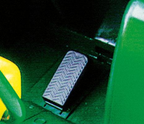 john deere gator hpx spielfahrzeug elektrofahrzeug detail pedal