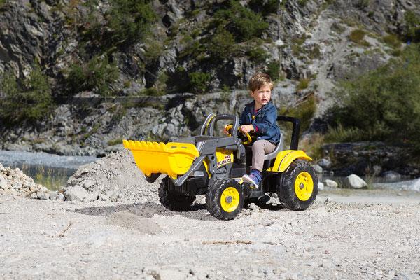maxi excavator tretfahrzeug spielfahrzeug bagger im spiel