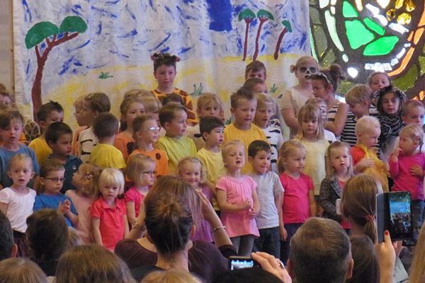 """""""Tuishi pamoja"""" Musical mit Kindergarten 2016"""