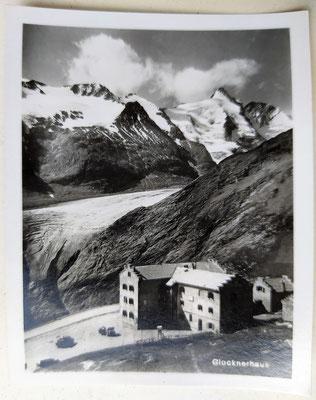 Glocknerhaus mit Gletscher