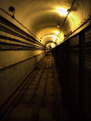 Zahnradbahn Tunnel Bunker