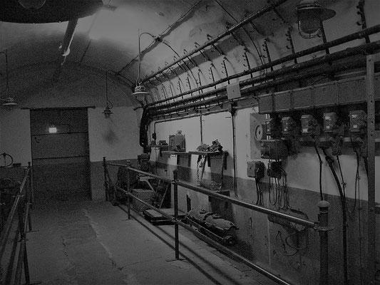 Stromverteiler + Werkstatt Bunker officina