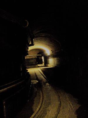 unterirdische Abzweigung - incrocio sotterraneo - underground crossing