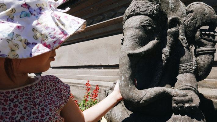 Max adore Ganesh ! 🐘