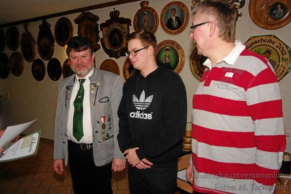 neues Mitglied: Felix Sauerteig (Mitte)