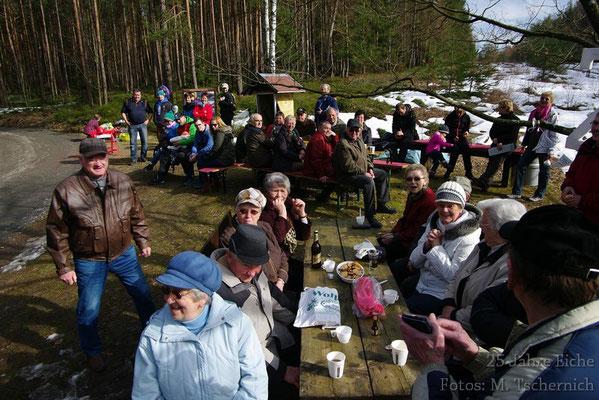 viele Gäste kamen bei schönstem Wetter