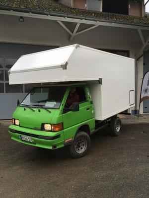 nomadcampers Alkoven-Leerkabine Mitsubishi L300 4x4 Mr. Pink