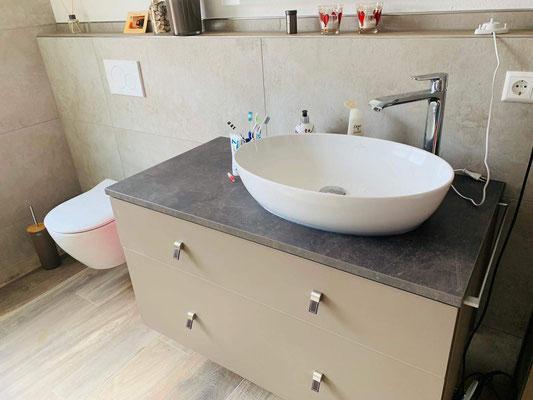 Waschbeckenunterschrank incl. Handtuchhalter