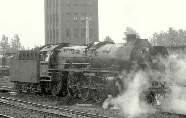 Lok 03 143 Bw Magdeburg in Halberstadt 1977