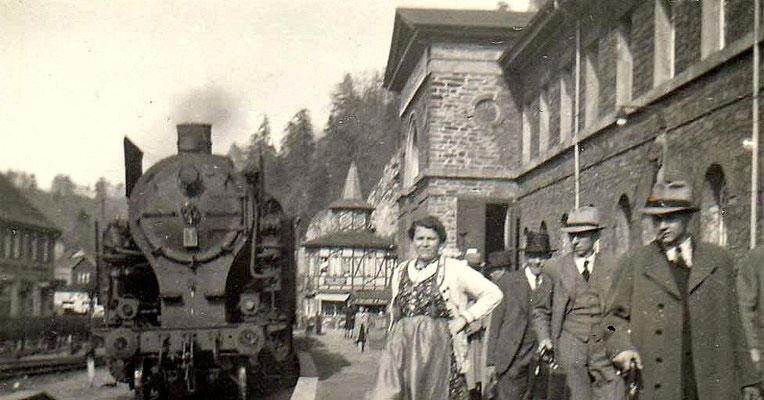 Bahnhof Rübeland Tropfsteinhöhlen mit HBE-Lok 1 um 1944