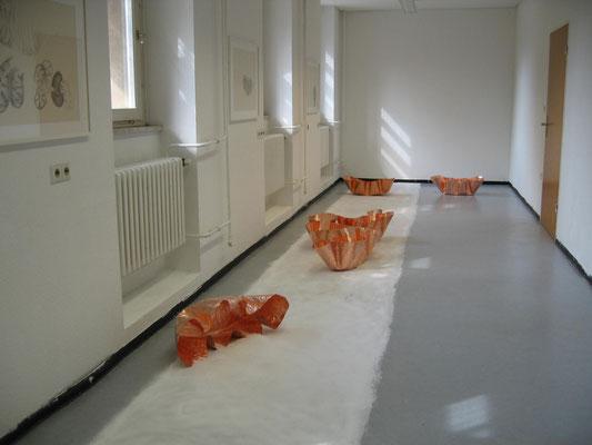 gibt es   2011   Rauminstallation   7 Kupferskulpturen, Salz, 3 Zeichnungen