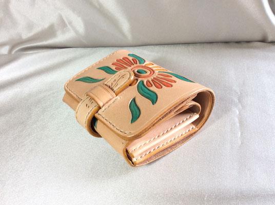 エアーショップが休みの為、創作活動しています。二つ折りの財布です。 sioux&lily(