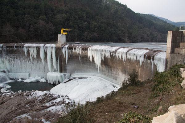 Barrage Camboux gelé
