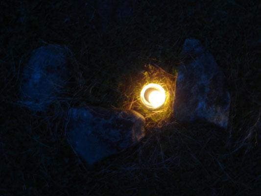 Die Kraft des Lichts, der Sonne, des Feuers in der dunkelsten Nacht des Jahres